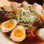 麺家 麺四郎 - 料理写真:和風正油チャーシュー + 味玉