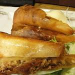 一献 - 豚肉とチーズの春巻き(380円)