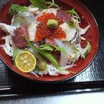 ひらまつ食堂 - 料理写真:海鮮丼