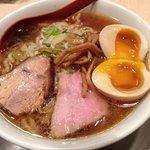 麺や 七彩 - 味玉らーめん(醤油)