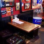 たこキング - テーブル席