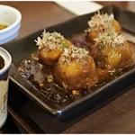 ミスターカンソ - 料理写真:缶詰たこやきはデロデロです。