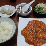 中華居酒屋 虎 - 料理写真:Aランチの海老チリソース定食(全景)