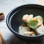 個室 肉炉端居酒屋 九州うまか屋 - 料理写真:クリームチーズの九州醤油漬け