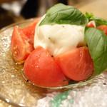 113641569 - フルーツトマトのカプレーゼ