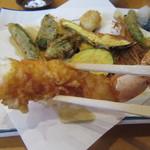 中村屋 - 海老はなかなかの食べ応え