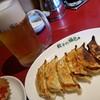 餃子の福包 - 料理写真:焼き餃子&生ビール