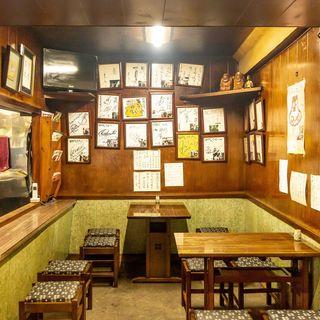昭和の雰囲気を色濃く残す、人情味あふれる下町の繁盛店