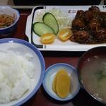 尾山屋 - 料理写真:肉団子定食。