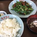 鳳華飯店 - 料理写真:韮とレバー炒め定食710円