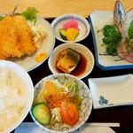 磯料理マルゴ - 黄金(こがね)定食(1600円)