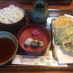 信洲庵 - 野菜天重ね 920円 割子一枚追加 60円