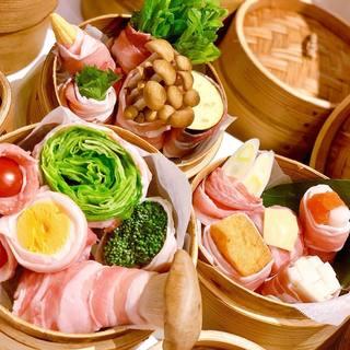 管理栄養士が手作り!新鮮な国産野菜は名物『ベジロール』で