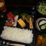 比呂伎 - 料理写真:さしみ定食