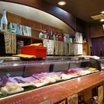 河竹鮨 - カウンターに座りました。