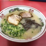 ホームラン本店 - ラーメン580円