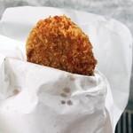 岡西精肉店 - 揚げたてのコロッケ!アツアツです(๑❛︎ڡ❛︎๑)☆︎