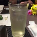 チーズと日本酒のお店 ラジット - ジンバック       氷シャリシャリ