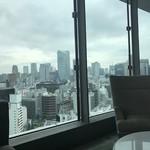 113681137 - 窓からの眺め