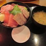 113682455 - 「まぐろ四色丼」(980円)