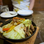 Omori別邸 - ラムもも肉のスタミナ炒め