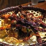 113688135 - 新疆式<辣子鸡>ウイグル式鶏の山盛り唐辛子炒め