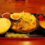 古民家食堂 ゆくる - 料理写真:生姜焼き定食(1300円!)