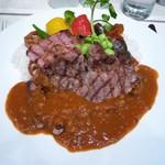 113705137 - 国産豚肉のグリルと夏野菜のカレー