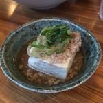 113713610 - お通しはそぼろ豆腐でした