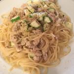フラテッロ - 地鶏のラグーとズッキーニのペペロンチーノ