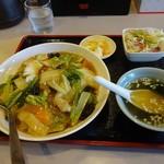 広州 - 中華丼全景