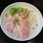 麺飯食堂 三羽鴉 - 鶏豚骨ラーメン(塩・醤油)