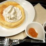 カフェカルディーノ - スフレパンケーキ ホイップバター添え