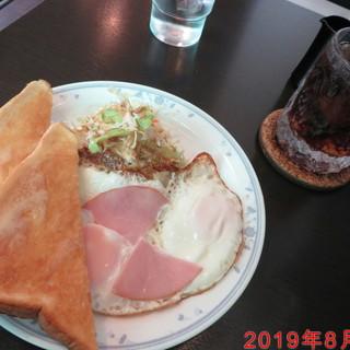小さな部屋 - 料理写真:モーニングA 580円