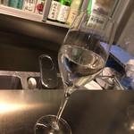 純米酒専門YATA - 三千盛(みちさかり) 岐阜県多治見。辛口だが癖がなく、すっきりとキレのある味わい。