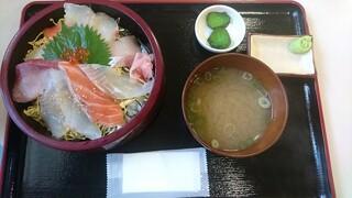 お食事処 かいがん - 特選海鮮丼(1200円)