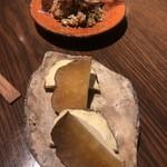 ぽんしゅや 三徳六味 - がっこチーズとアジなめろう