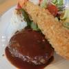 カフェ マカイ - 料理写真:ハンバーグ&大きなエビフライ