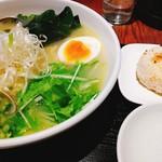 麺屋海神 - 料理写真:あら炊きあさりらぁめん(へしこおにぎり付)@1340円
