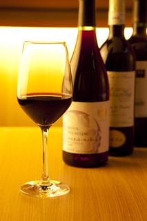 4 Seasons LDK - こだわりワイン!ワインによって提供温度・グラスの形状を変えております!!