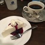 ポピンズ - 手作りチーズケーキセット