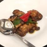 横浜大飯店 - 播磨灘産牡蠣のトウチ醤炒め