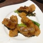 和食居酒屋 創作料理 檜 - 【逸品】三元豚の一口カツ (国産の三元豚を食べやすくひと口サイズの豚かつにしました) ※写真は3人前です…食べてみれば普通のとんかつw
