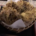 名水手打ちそば お清水 - 舞茸の天ぷら