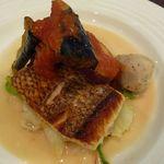 サレポア食堂 - 魚料理(真鯛のソテー)
