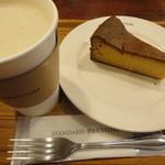 11376360 - オールドファッションチーズケーキ+ドリンク(800円)