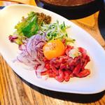 金澤旬料理 八兆屋 駅の蔵 - ユッケ風ローストビーフ  590円