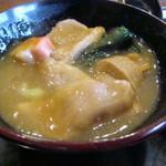 四季のテーブル - 治部煮の具は鴨肉、すだれ麸、青菜、花麸