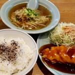 天外 - 料理写真:えびたま定食