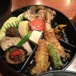 こなから - はんなりなお弁当(日替りランチ) 900円 メインの皿